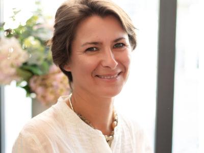 Delphine-Chaumont-Aidan-coach-parental-MBSR-enfance-et-pleine-conscience-1-400x300